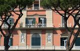 Haus mit in Neapel mit Pinien