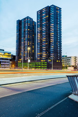 Rotterdam, Holland. Skyline zur blauen Stunde