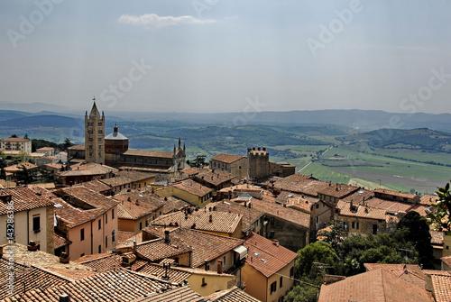 Aluminium Toscana, panorama urbano