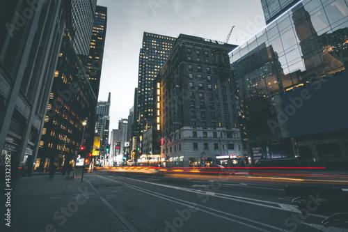 Foto Murales Evening Scene in Manhattan - New York