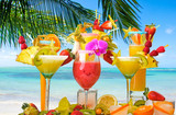 Cocktails, sun, palm trees, sea, relaxation: cocktail party at a beautiful dream beach :) - 143543115