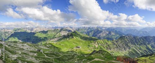 Fotobehang Pistache Gipfelpanorama am Nebelhorn im Oberallgäu