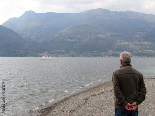 Poster Riflessioni sul lago - tanti pensieri