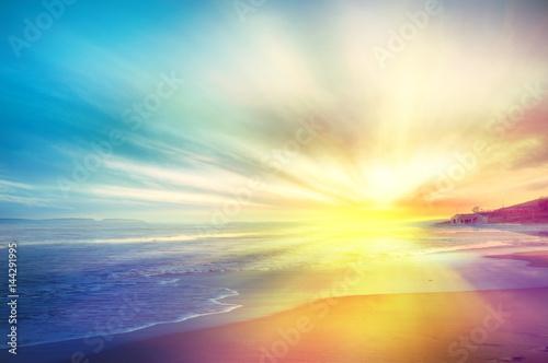 Fotobehang Zwavel geel Tramonto sul mare