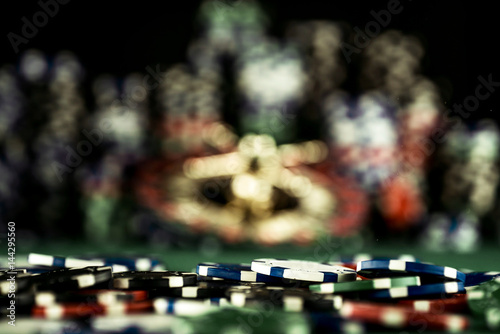 Платно Casino Concept background with dice, roulette and chips.