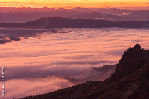 Keuken foto achterwand Crimson Morning scene of fog on high hill landscape along the valley and sunrise atmosphere from mountain peak.