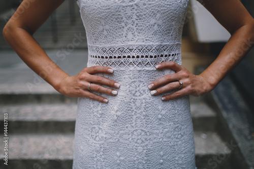 Plakat Bride in wedding dress with hands