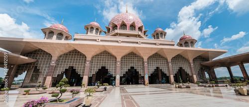 Foto op Plexiglas Cyprus Putrajaya Mosque in Malaysia panorama view