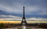 Lever de soleil sur la Tour Eiffel vu du Trocadéro