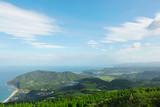 海と山のある風景