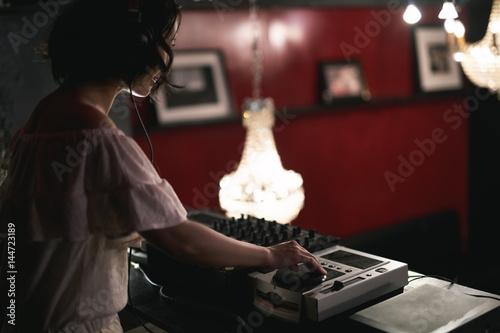 Poster 女性DJ