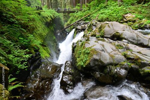 Fluss und Wasser - 144729996
