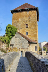 Tour Gloriette et pont des Capucins à Arbois en France