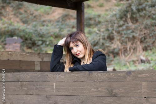 Spazio di legno con donna Poster