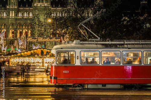 Bim am Christkindlmarkt in Wien Poster