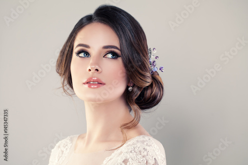 Poster Perfect Fashion Model Woman with Beautiful Hairstyle