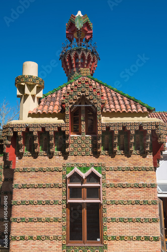 Póster Palace of El Capricho or Villa Quijano designed by the architect Gaudi in modern