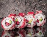 Tuna scallop roll with strawberry and avocado