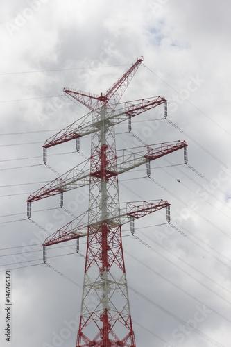 Strommast mit Stromkabeln Poster