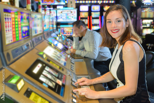 woman in the casino плакат