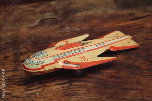 Poster jouet vintage en acier métal années 50 fusée