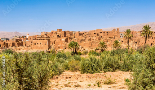 Papiers peints Maroc View at the Buildings of old Kasbah in Tinghir (Tinerhir) Oasis - Morocco