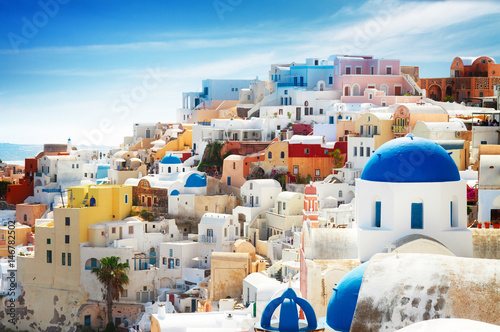 Foto op Plexiglas Santorini cityscape of Oia, traditional greek village of Santorini, Greecer, toned