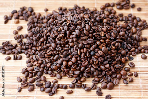 Foto op Canvas Klaprozen Roasted coffee beans, can be used as background