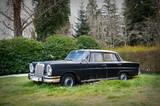 vehículo clásico abandonado