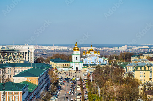 Foto op Plexiglas Kiev St. Michael's Golden-Domed Monastery with cathedral and bell tower seen in front of St. Michael's Square in Kiev, Ukraine