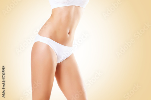 Juliste Fit and sporty girl in white underwear