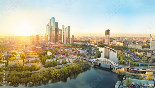 Fotobehang Moskou Sunrise over Moscow City district and Moscow river