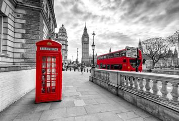 Londyn czerwona budka telefoniczna i czerwony autobus