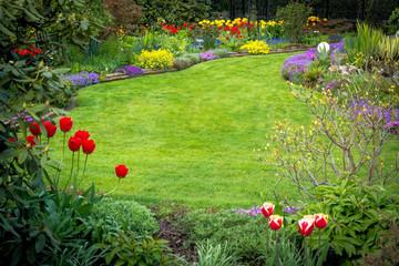 Blick in den Frühlingsgarten