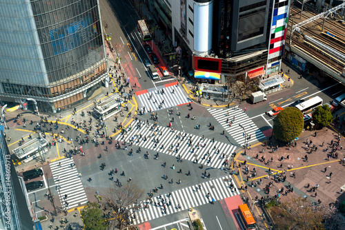 Fotobehang Tokio Tokyo, Japan view of Shibuya Crossing, one of the busiest crosswalks in Tokyo, Japan.