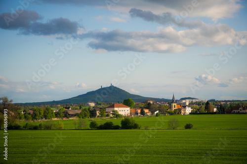 Мирный живописный деревенский пейзаж в Богемии Poster