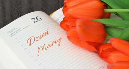 Bukiet tulipanów dla kochanej mamy. Dzień mamy.