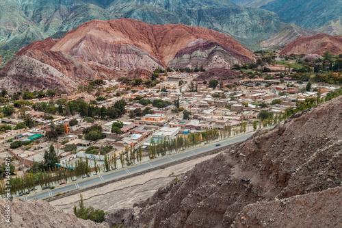 Poster Cerro del los Siete Colores (Hill of Seven Colors) over Purmamarca village (Queb