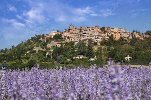 Aluminium Lavendel Village de Dauphin Provence France