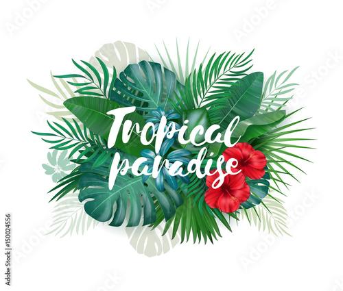 Tropikalna rajska etykietka nad tłem z liśćmi i kwiatami
