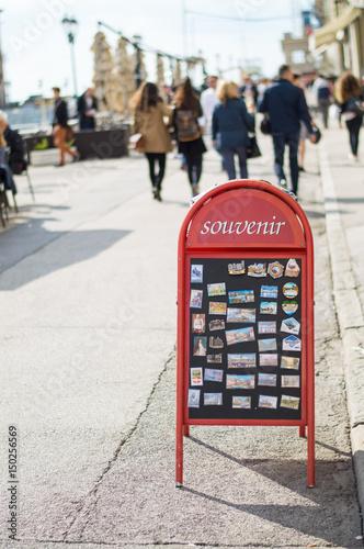 Poster souvenirs, tourists magnets