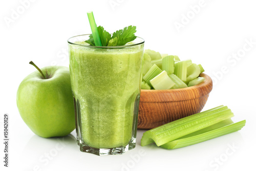 Poster Sap Detox smoothie with celery and apple on a white background.