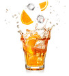 Quadro orange slices and ice cubes dropping into a splashing cocktail