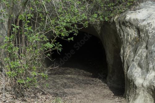 Ehemalige Festung als Kinderspielplatz - Die Grotten von Mont-Vully, FR