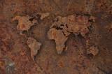 Weltkarte auf verrostetem Metall