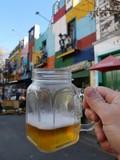 Vaso de cerveza en la boca, buenos aires, argentina
