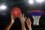 Basketball jump shot to the hoop