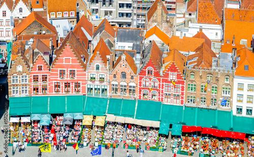 Papiers peints Bruges View on Historical buildings on Market Square in Belgium