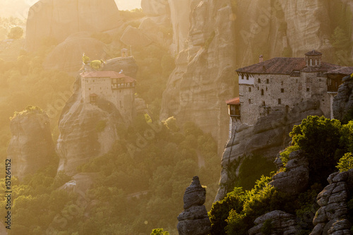 Staande foto Athene Sunset view of the Meteora area and it's monastery in Greece