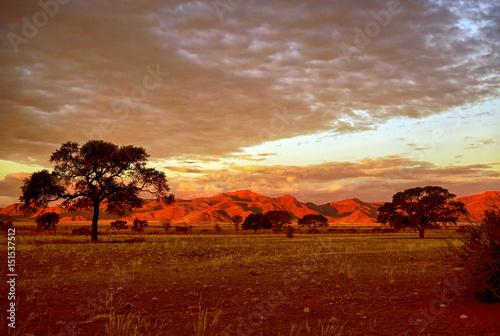 Sonnenuntergang und Abendstimmung in der Namibwüste